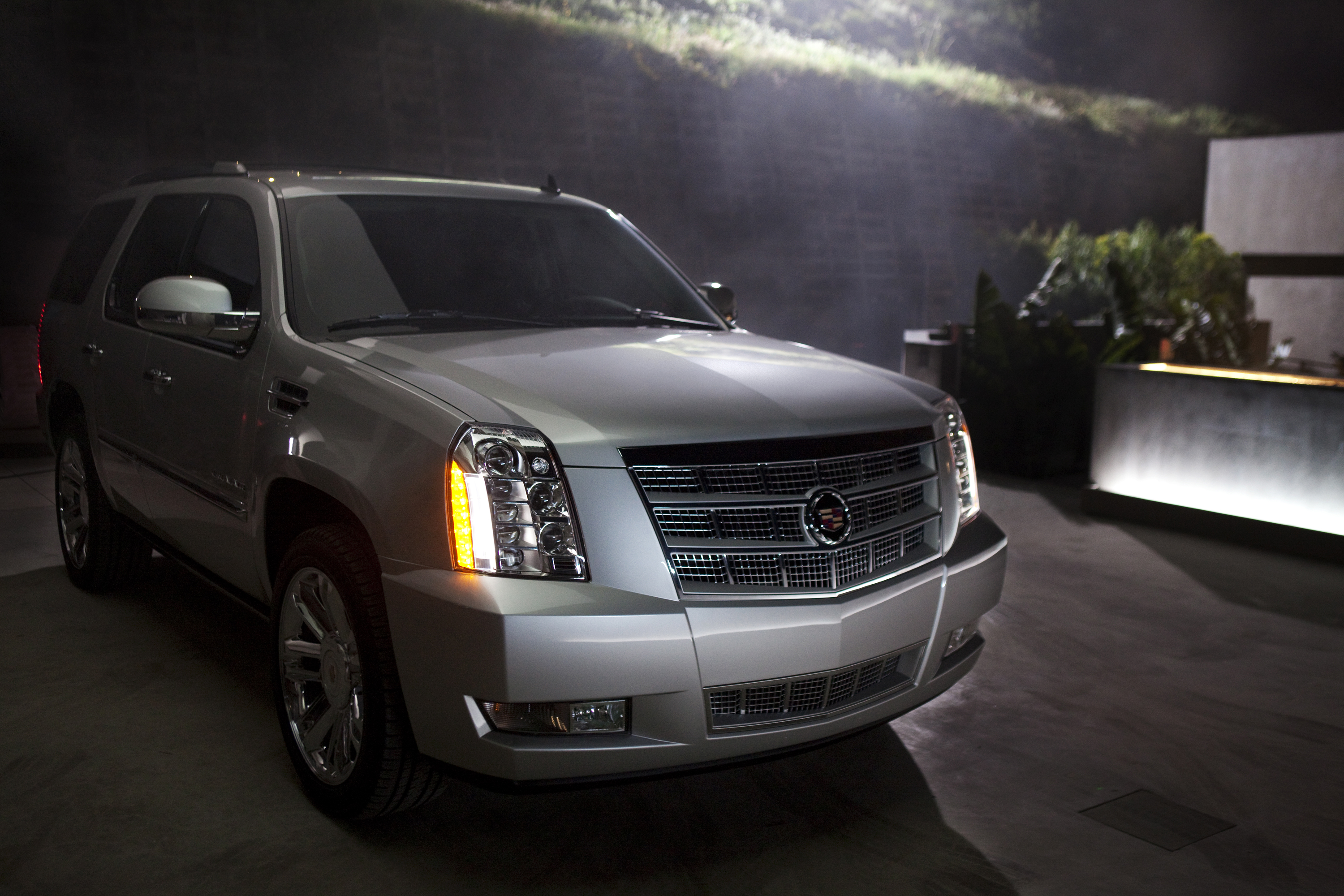 2014 Cadillac Escalade Lineup Continues Tradition Of Luxury Style